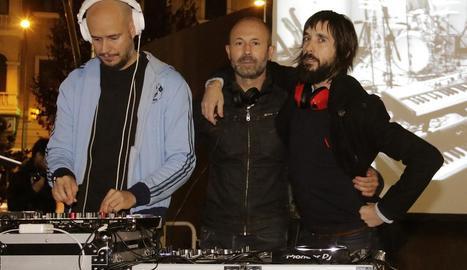 Guille Milkyway, Rafa Ariño i Axel Pi, a la festa Rock & Shop de l'any passat a la Zona Alta de Lleida.