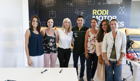 Màrquez es va fotografiar amb el personal de Rodi.