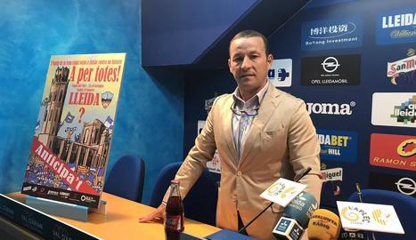 El president del Lleida, Albert Esteve, ahir a la sala de premsa del club.