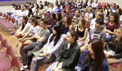 Els alumnes de Mobilitat de la UdL van participar ahir en una recepció a la universitat.