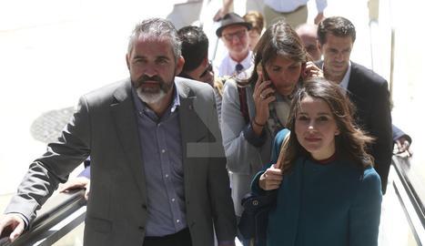Inés Arrimadas, aquest dimarts a les escales de la plaça Sant Joan de Lleida.