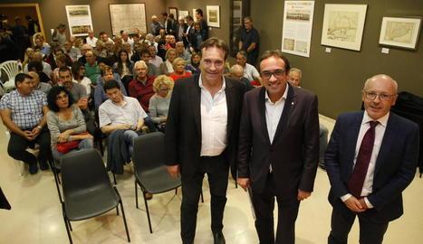 El conseller Rull, amb el professor Capdeferro i l'alcalde, Josep Ibarz, al Museu Josep Mas Dordal.