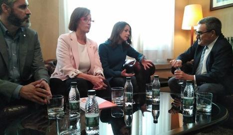 Ángeles Ribes i Inés Arrimadas, ahir amb Àngel Ros.