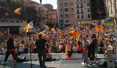 Festa massiva per referèndum a Sant Joan