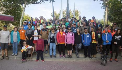 Els participants en la marxa contra l'Alzheimer.