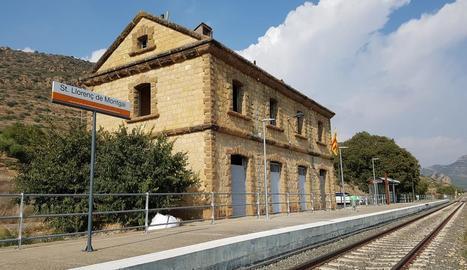 L'estació de tren de Sant Llorenç de Montgai.