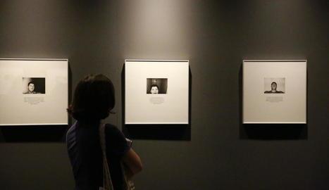 Vista d'alguns dels autoretrats que formen l'exposició 'I am able', a l'IEI.