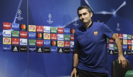 Ernesto Valverde, abans de la roda de premsa prèvia al partit contra l'Sporting de Portugal.