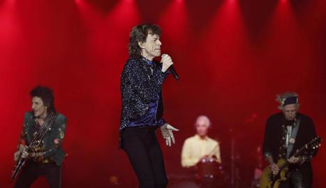 Els Rolling, amb Mick Jagger al capdavant, van entusiasmar ahir a la nit més de 50.000 fans a Barcelona.
