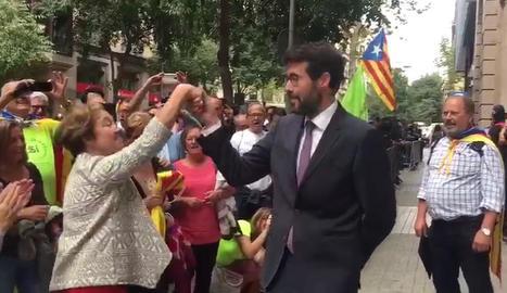 Albert Batalla ballant el Ball Cerdà davant de la Fiscalia Superior de Catalunya.