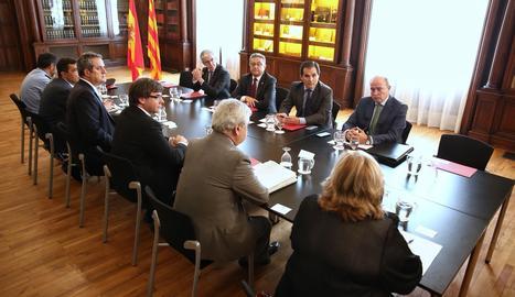 La reunió de la Junta de Seguretat de Catalunya al Palau de Pedralbes