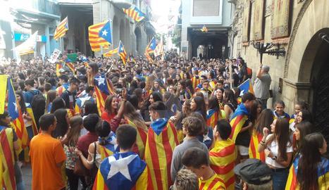 La concentració d'estudiants aquest dijous a la plaça Paeria.