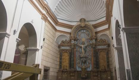 Les capelles quedaran a l'espera de la intervenció dels restauradors (e) i les pintures del sostre ja llueixen la  forma definitiva.