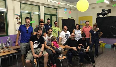 Els primers participants en les activitats organitzades a l'escola de Juneda.