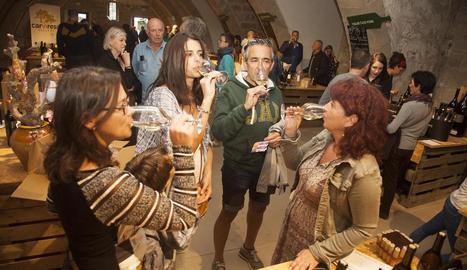 Participants ahir en un dels tastos organitzats a la fira de Verdú.