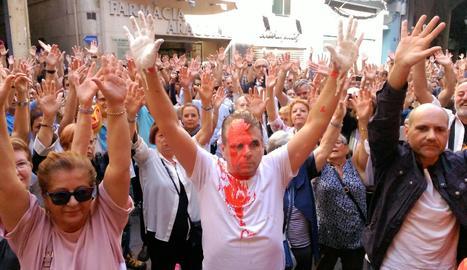 Concentració a la Paeria contra la repressió policial.