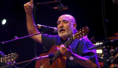 La icona de la rumba catalana durant un dels seus concerts.