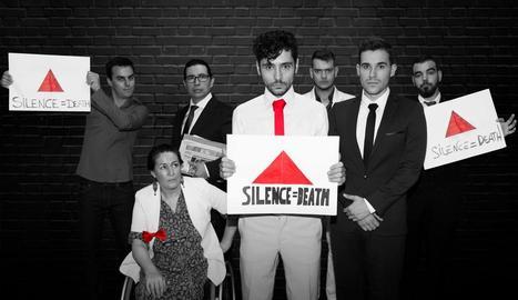 Imatge promocional de l'obra 'Un cor normal', del grup TOAR.