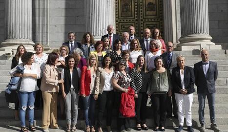 Foto de família del dia que es va aprovar el pacte contra la violència de gènere al Congrés.