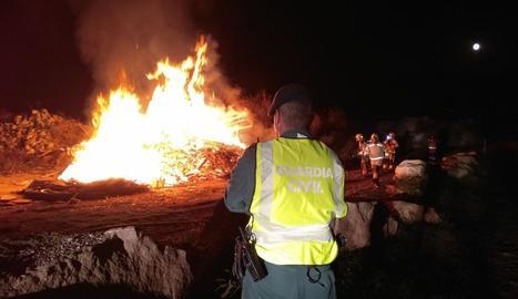 L'incendi de matolls a Oliana