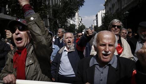 Imatge d'una protesta de jubilats grecs contra les retallades.