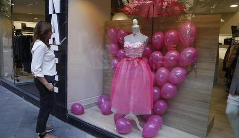 La Zona Alta, de rosa per conscienciar sobre el càncer de mama