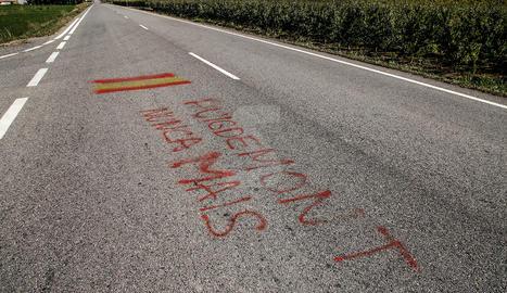 La Urbana d'Alcarràs denuncia la Guàrdia Civil per haver fet una pintada en gallec contra Puigdemont