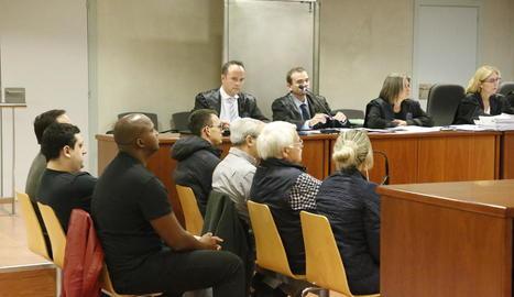 Imatge dels acusats el primer dia del judici.