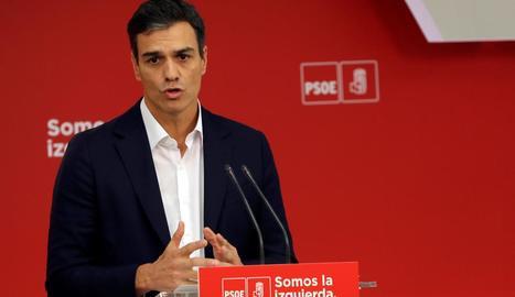 El secretari general del PSOE, Pedro Sánchez, durant la seua compareixença d'ahir.