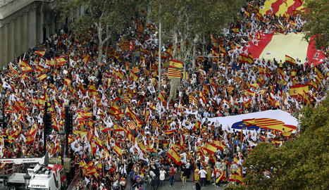 Imatge de la manifestació d'ahir contra la independència a Barcelona.
