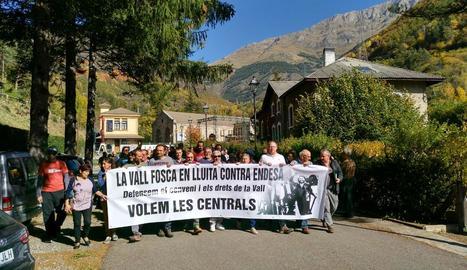 Imatge de la manifestació d'ahir davant de la central de Capdella.