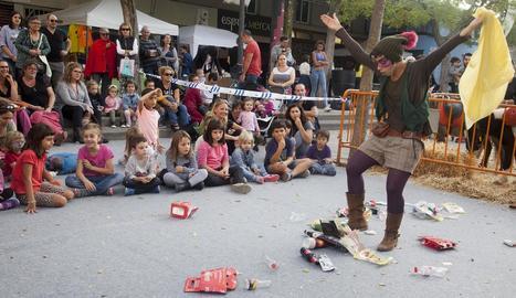 Una de les activitats de la fira, el contacontes 'El viatge sensorial'.