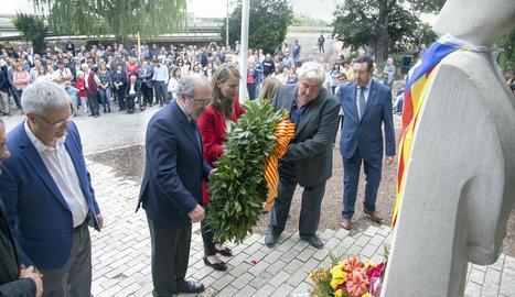 Alcaldes i càrrecs d'Esquerra Republicana a Lleida, al Tarròs, al costat de la consellera.