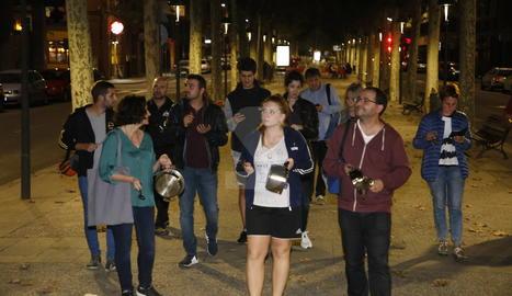Cassolades i sirenes, i noves protestes convocades per avui