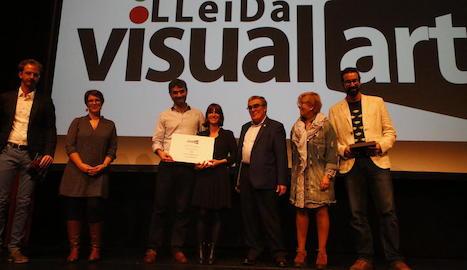 Xavier Puig i Bruna Cusí van recollir el premi Lleida Visual Art en la inauguració del Som Cinema.