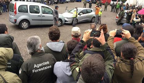 Els agents van assistir ahir a una demostració sobre rutines d'instrucció en controls.