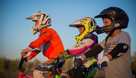 control i precisió. El BMX race demana que els corredors tinguin molts reflexos i sang freda.