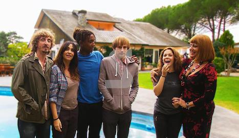 Comencen a rodar 'Benvinguts a la família', una sèrie de comèdia negra