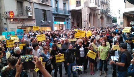 La protesta de docents aquest dimecres a la tarda a la plaça Paeria de Lleida.