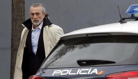 Francisco Correa, líder de la trama de corrupció, a l'arribar a l'Audiència Nacional.