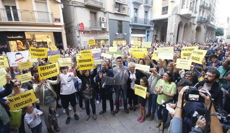La concentració aquest dimecres a la plaça Paeria per defensar l'escola catalana.