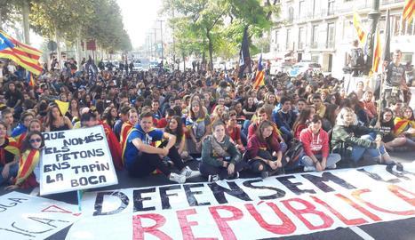 Un moment de la manifestació d'estudiants a Lleida.