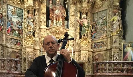 L'actor Joan Pera dóna vida al músic i compositor Pau Casals.
