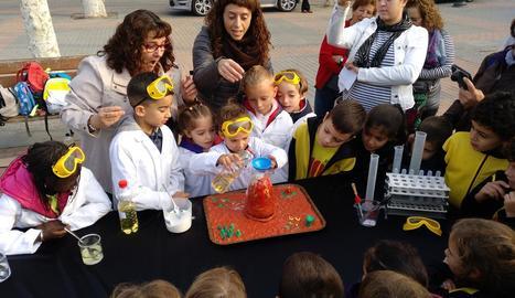 Un dels experiments en què van participar els alumnes.