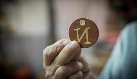 lletres. Una altra cosa que li agrada és fer lletres. N'ha fet noms sencers, entre els quals, els dels seus néts.