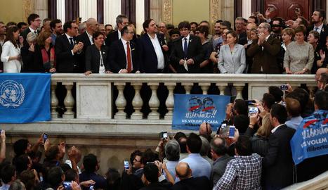 Ovació a Rajoy divendres al Senat després d'anunciar la destitució del Govern de la Generalitat.