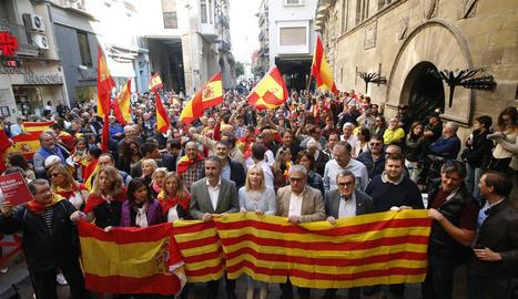 Uns quatre-cents unionistes es van donar cita ahir a la plaça Paeria.