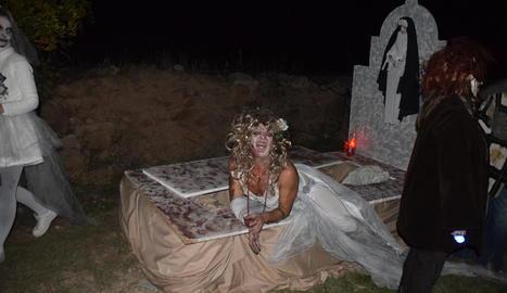 Una de les escenes del passatge del terror que va poder veure's ahir a la nit a Torrebesses.