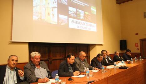 Imatge a l'inici de l'assemblea general de regants del Canal d'Urgell.