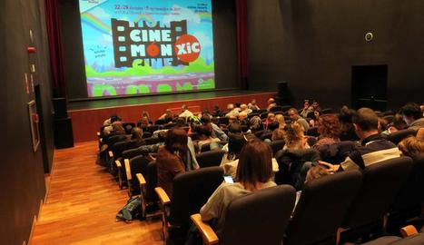La sala del Teatre de l'Escorxador es va omplir per veure el film.